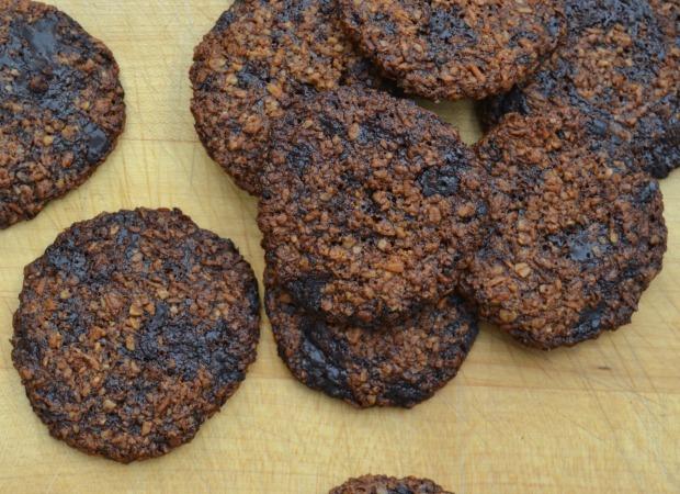 chocolate chunk cookies, flourless cookies, gluten free chocolate chip cookies, dairy free cookies, vegan chocolate chip cookies, vegan, healthy cookies, healthier cookie recipe, healthy living, chocolate, organic