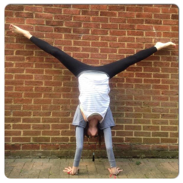 handstand, yoga pose, yoga, yoga every damn day, inversions, outside yoga, yoga everywhere, upside down yoga, popup, popup yoga class, new yoga class, yoga class camden, triyoga camden