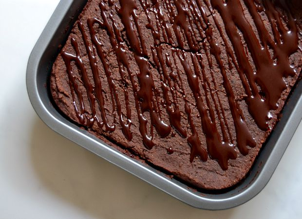 avocado brownies, veggie desserts, black bean brownies, brownie recipes, gluten free brownies, gluten free, dairy free, dairy free brownies, sugar free brownies, vegan brownie recipe, the best brownie recipe, healthy brownies, healthy, delicious brownies, easy brownie recipe